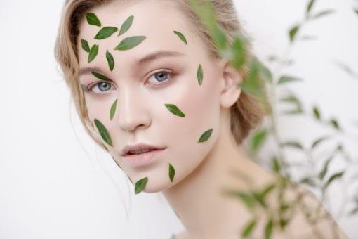 Πως πρέπει να φροντίζεις το δέρμα σου κατά τη διάρκεια της εμμηνόπαυσης;